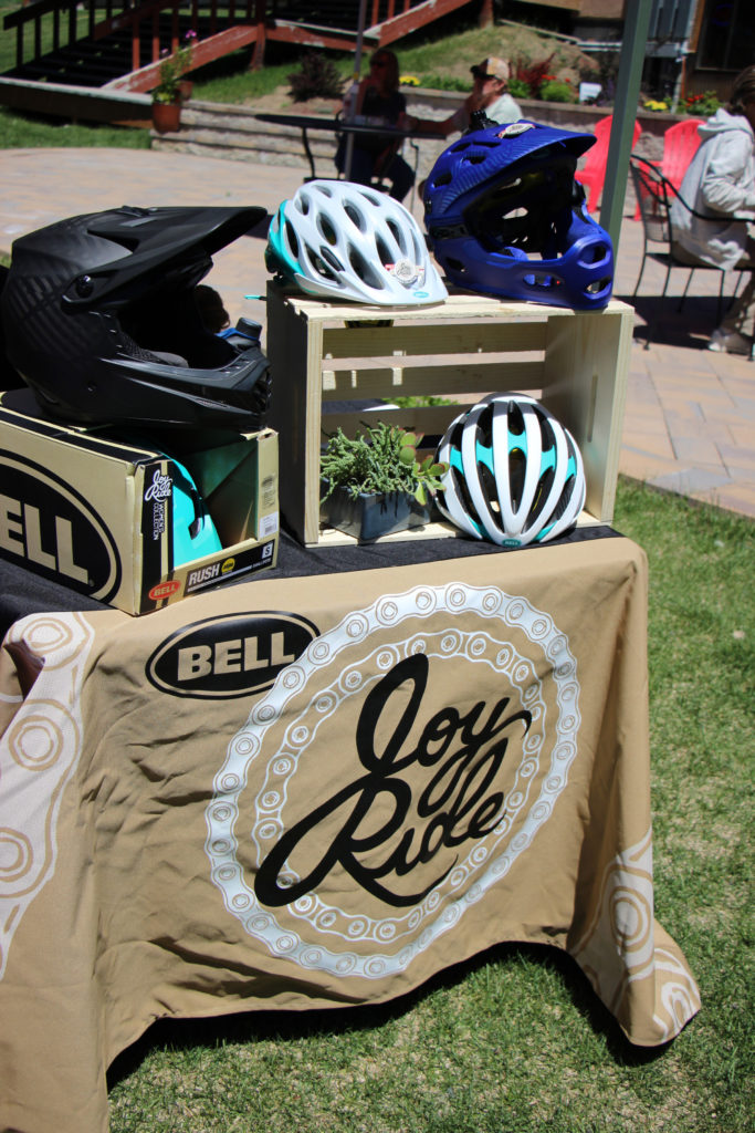 Bell Joy Ride table