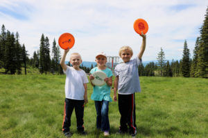 kids play disc golf